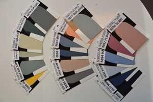 «Alle» snakker opp bruken av farger, og det er de sotede sortaktige nyansene som er favoritter. Fargene på bildet er fra Butinox Interiør sitt nye fargekart som lanseres i disse dager.