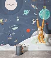<b>HIMMELROM:</b> Med en slik vegg som bakgrunn kan rommet bli en flyvende tallerken, og ta poden ut på spennende tokter i verdensrommet. Fra kolleksjonen Smalltalk, Borge.