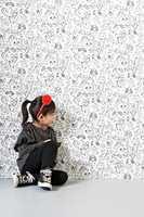 <b>HUNDEN MIN:</b> Det er ingen regel at det må være pastell- eller klare farger på barnerom. La barnet selv bestemme. Hvitt og sort kan også passe.