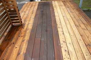 Oljebeis fra Osmo sørger for at treverket får tilbake sin opprinnelige farge.