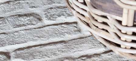 Gulvfliser kan være så mangt; keramiske fliser, skifer eller marmor. Castle Stones er en ny, sementbasert variant, som er usedvanlig dekorativ.