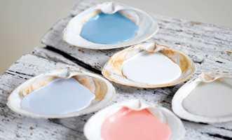 <b>FARGER:</b> Lyse og lette fargenyanser skaper sommerstemning.