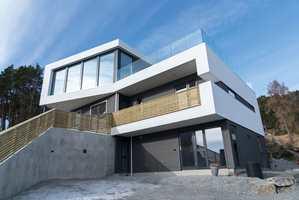 <b>MATT:</b> Hele huset ble malt med helmatt glans, for å få et mer elegant, stilig og nedtonet uttrykk.