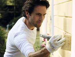 Det er viktig å bruke nok maling når du skal male huset ditt.