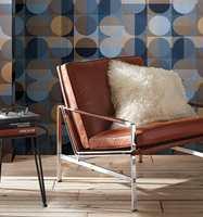 <b>MODERNE:</b> Mønsteret i tapetet Allegro fra Borge i blått og bruntoner inviterer til en moderne innredning. (Foto: Borge)