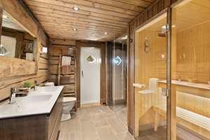 TOPP BAD: Fliser på badet, badstue, badekar og boblebad står høyt på ønskelisten når baderommet på hytta skal innredes eller pusses opp.