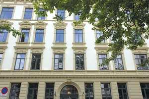 <b>PUSSET OPP: </b>Også fasaden er blitt pusset opp og gitt de opprinnelige fargene.