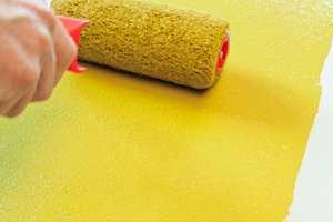 <b>VÅTT-I-VÅTT:</b> Arbeid effektivt og raskt, slik at du maler deg inn i våt maling hele veien.