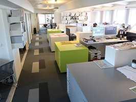 <b>FELLESKAPET:</b> De ansatte hos Studio NSW på Hamar jobber i et åpent landskap. Derfor blir lydforholdene spesielt viktige.