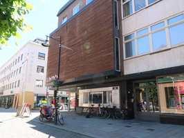 <b>FREMTIDSBYEN:</b> Det er ikke bare rådyre stupetårn som tar sats i Mjøsbyen. – Hamar er inne i en rivende utvikling. Vi har utrolig mye å gjøre, sier arkitekt Amund Eggum Wangen.