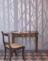 Med litt blank og matt maling og en trendy tresjablong fra Alanor skapes en stilig stuevegg.