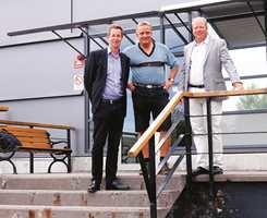 Gunnar Öhrn, markeds- og innkjøpsjef, Mats Matsson, lagersjef og Mattias Wijk, salgsdirektør forteller at selskapets hjerte er det moderne logistikksenteret som forsyner kundene med varer raskt og tilnærmet feilfritt.
