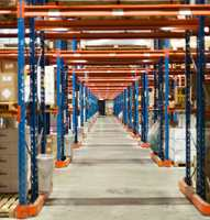 Den topp moderne logistikksentralen i Nykvarn sør for Stockholm sikrer kjappe leveranser til hele Norge.