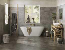 Med Raw Concrete på gulvet og Concrete Flower på veggen får du et vanntett bad med et tidsriktig, røft betonguttrykk.