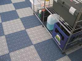<b>BEST I BOD:</b> Det er ikke alltid det eksisterende gulvet er godt nok i boden. Løsningen kan være å legge plastfliser fra Sverige.