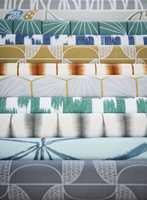 <b>LEKENT:</b> Japandi fra Scion inneholder åtte ulike design og 32 farger. Noe som matcher både grønt og gult. Føres av Tapethuset.