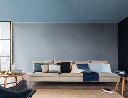 <b>ÅRETS FARGE:</b> Nordsjö tror på blått. De kåret den gråblå fargen Denim Drift til Årets farge for 2017.
