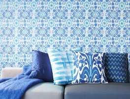 Astex har i kolleksjonen Ibiza dette lystige og blå tapetet.