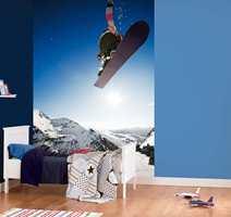 Fart og moro blir det med dette tapetet på veggen! Kolleksjonen heter Wallpaper Wanted.