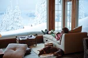 <b>SOFA OG SOKKER:</b> Hygge er å ta på raggsokker og slumre på sofaen. (Foto: Tyrilin)