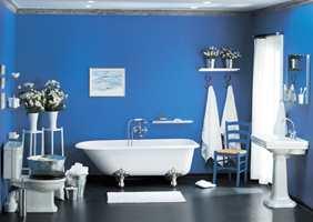 Våtromsmaling er vannavvisende maling som inneholder sopphindrende midler og kan brekkes i mange farger.