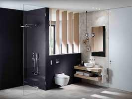 <b>DUSJDO:</b> Toalettet som rengjør deg med vann blir mer og mer populært også i Norge. Dusjtoalett i modellen AquaClean Tuma fra Geberit.