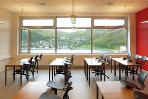 <b>UTSIKT:</b> Klasserommene er strategisk plassert nordvendt, med null forstyrrelser fra sola som står lavt på himmelen en stor del av skoleåret.
