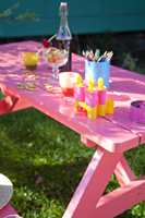 <b>HAGEPRYD: </b>Et rosa bord blir en fin fargeklatt i enhver hage.