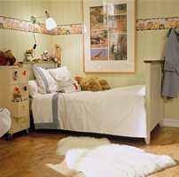 En hyggelig, litt gammeldags seng som det er fristende å krype opp i.