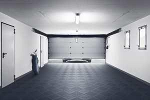 Fliser i polypropylen gir garasjegulvet et eksklusivt utseende.