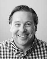 <b>NYE MULIGHETER:</b> Sigurd Herrlin Sørensen fra Retail Consult – Retail Energy AS mener faghandelen må ta i bruk ny teknologi når fremtidens butikker skal bygges. (Foto: Erik Burås/STUDIO B13)