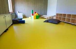 <b>MILJØ PÅ GULVET:</b> Gulvkjempen Ehrenborg lanserer nå et gulv med trinnlyd-dempende egenskaper. Gulvet er også uten  PVC, klor og mykningsmidler.