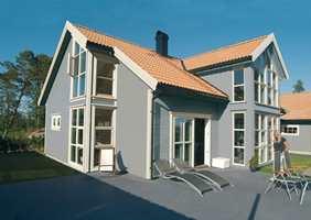Grått har lenge vært en populær farge på norske hus, men de to siste årene er stadig flere hus blitt malt i gråfarger. (Foto: Hellvik Hus)