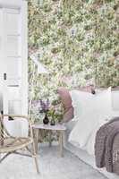 I Borås' kolleksjon Scandinavian Designers, har Borås' designer samarbeid med familiene til kjente, kjære og avdøde designere, for eksempel Arne Jacobsen.