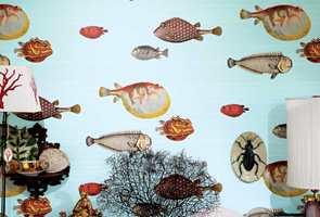 <b>UNDER VANN</b> Som å snorkle i eksotiske farvann. Tapet fra Borge/finndintapet.no; Cole & Son, Fornasetti II.