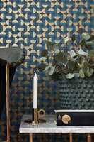 – «Vertigo» av Arne Jacobsen skulle jeg gjerne hatt på kjøkkenet over en marmorbenkeplate med litt høy marmorlist på veggen, sier Birgit Torkildsby.
