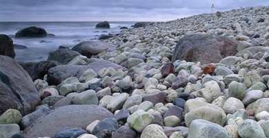 Fototapeter på en fondvegg, eller som dekor kan gjøre høstmørket lysere. Eco Photo fra John O. Borge AS har motiver med skandinavisk natur.