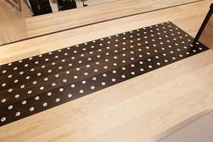 Taktile løsninger både med hensyn til fysisk markeringer, så vel som optiske kontraster er vel  ivaretatt på Bråtejordet skole.