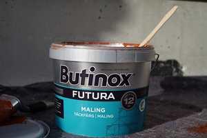 <b> INGREDIENSER: </b> For å lage en maling brukes omtrent 30 av 6 000 tilgjengelige ingredienser. (Foto: Scanox/Butinox Futura)