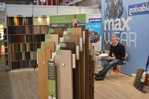 Kåre Henriksen fra Golvabia selger gulvprodukter.