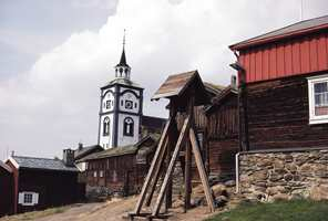 Bergstaden Røros er en av de få gruvebyene i verden som er oppført på UNESCOs liste over verdens kulturarv og et populært reisemål for kulturturister.  Foto:Johan Berge/Vistitnorway