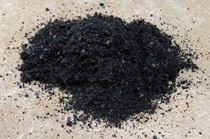 Noen produsenter har også teknologi for å kunne resirkulere teppeflisenes bakside.