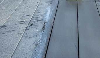 Få terrassen fin og ren og klar for sene sommerdager. Her er det brukt et spesialmiddel fra Owatrol.