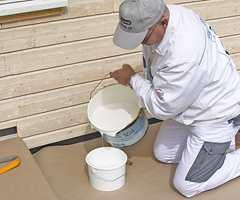 Bedre å kjøpe litt for mye maling enn litt for lite. Husk også å få med verktøy til jobben.