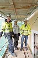 Jean Paul Beresford, Thomas Volkmer og Ingvar Røang er fornøyde med nesten ferdigstilt fasade på det bevaringsverdige bygget mot Lammers gate.