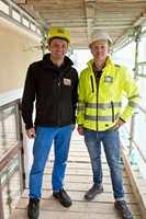 Olaf Rimstad fra leverandøren Deco Systems har levert spesialtilpassede fasadeutsmykninger til et rehabiliteringsprosjekt i Oslo. Fasaden er pusset opp av Thorendahl AS, der Ingvar Røang er daglig leder.