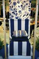 Også her er de nydelige blå/hvite varianter myket opp med sandaktige farger.