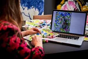 Designer Edda Gimnes jobber