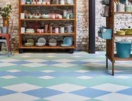 <b>PASTELLDRØM:</b> Delikate farger – blått, grønt og hvitt – i mønsteret Pastel Dream. (Foto: Tarkett)