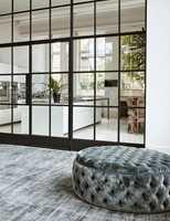 <b>DRØM:</b> Med teppe i stuen får du et varmt, lyddempende og mykt gulv, som gir en lun atmosfære. Dette er fra Jacaranda Carpets/Intag og designet heter Santushti Fossil.